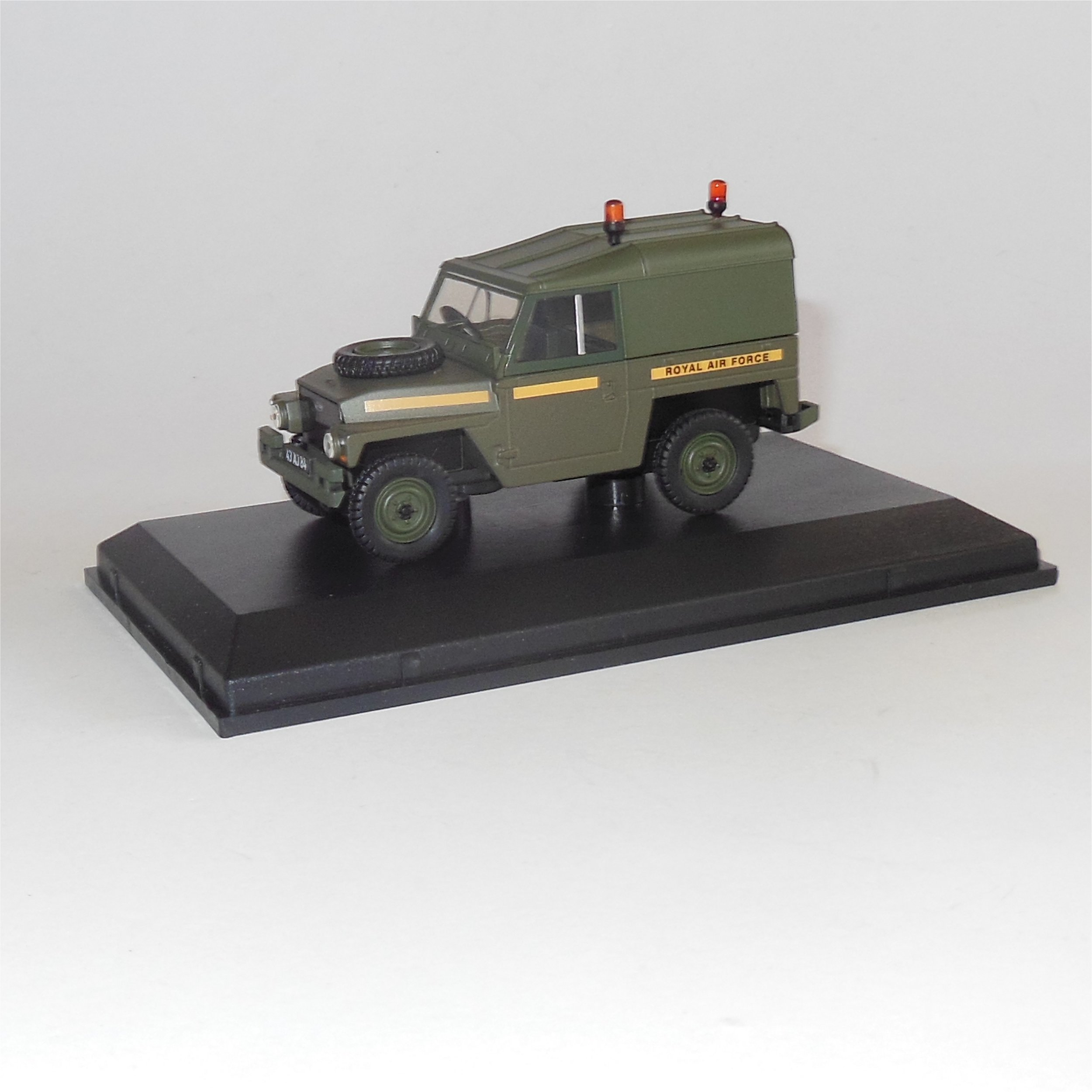 Land Rover Lightweight Hard Top Royal Air Force 1:43 Model OXFORD