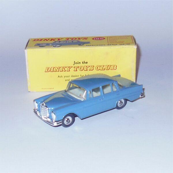 Dinky Toys 186 Mercedes Benz 220SE