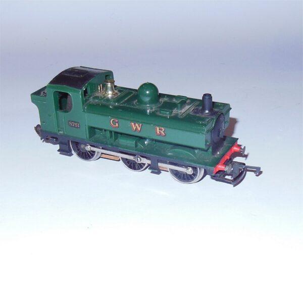 Hornby R041 GWR 0-6-0 Pannier Tank Engine 8751