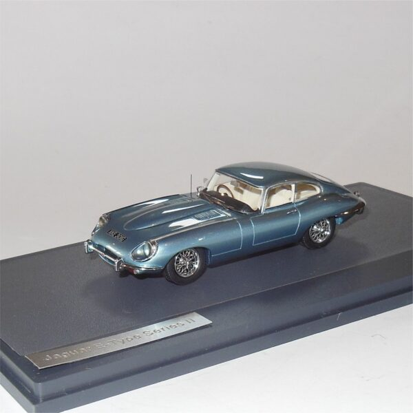 Matrix MX11001-051 Jaguar E-Type Series II Blue