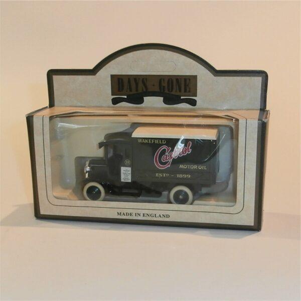 Lledo Days Gone 66000 1926 Dennis Delivery Van Castrol