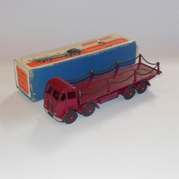 Dinky Toys 505 Foden Flat Truck with Chains Red c1950