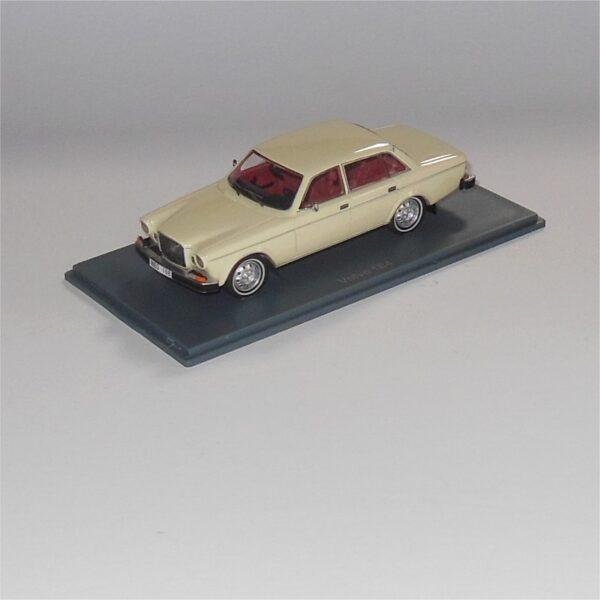 Neo Scale Model 43108 Volvo 164 Sedan Cream