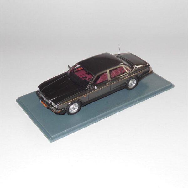 Neo Scale Model 43158 Daimler Sovereign Black