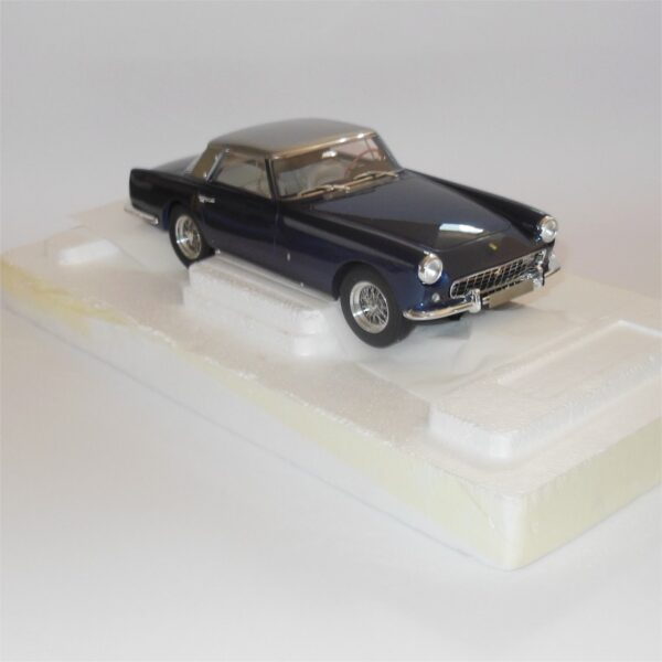 Matrix Model MXL0604-033 Ferrari 250GT Coupe 1958 Pininfarina Silver-Blue