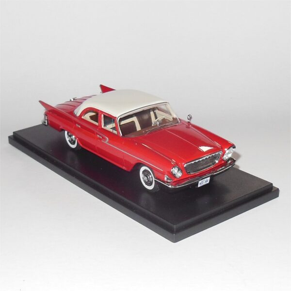 Neo Model 46460 Chrysler Newport Sedan 1961 White Red