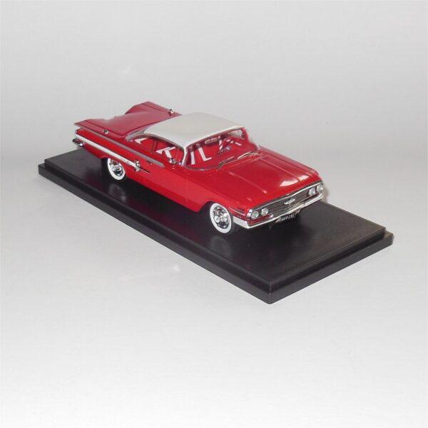 Neo Model 46915 1960 Chevrolet Impala Sport Coupe White Red