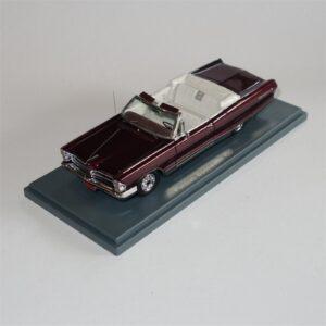 Neo Model 44101 Pontiac Bonneville Convertible 1965 Red Metallic