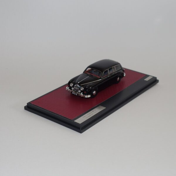 Matrix 41001-111 Jaguar MKII Country Estate 1963 Black