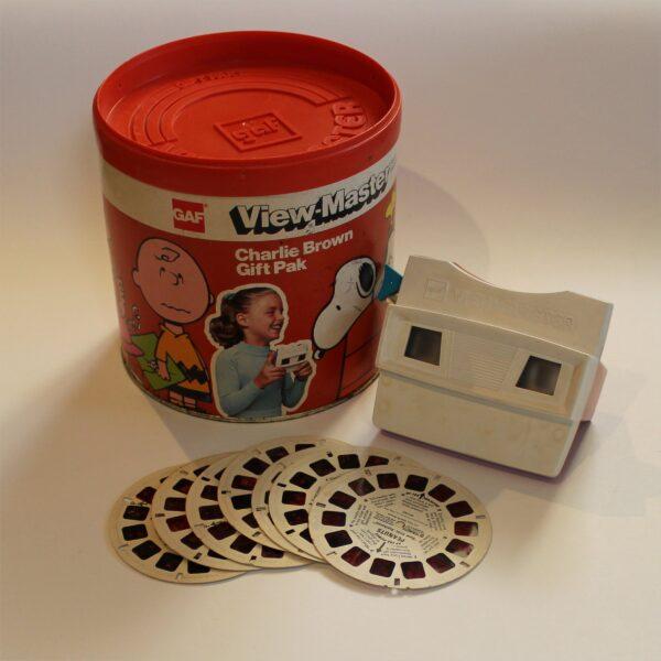 GAF View-Master Charlie Brown Gift Pack Canister Set