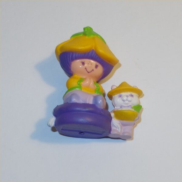 Strawberry Shortcake: 1984 Almond Tea & Marza Panda PVC Figurine