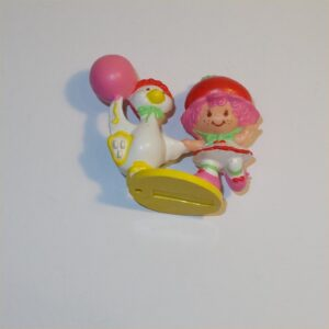 Strawberry Shortcake 1984 Cherry Cuddler with Gooseberry and a Balloon PVC Figurine