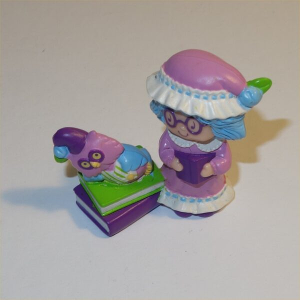Strawberry Shortcake 1984 Plum Pudding with Elderberry Owl in Night Clothes PVC Figurine