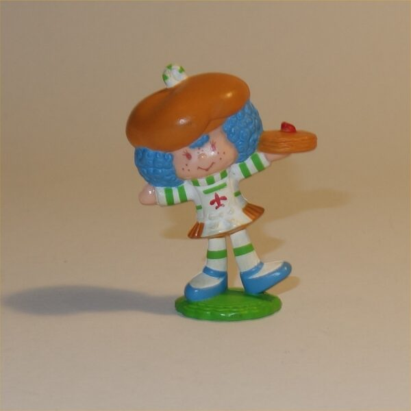 Strawberry Shortcake 1983 Crepe Suzette with Stack of Crepes PVC Figurine