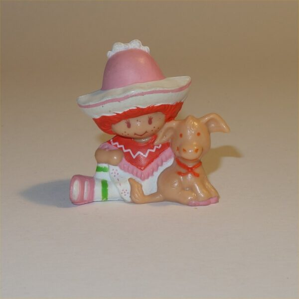Strawberry Shortcake 1983 Cafe Ole with Burrito PVC Figurine