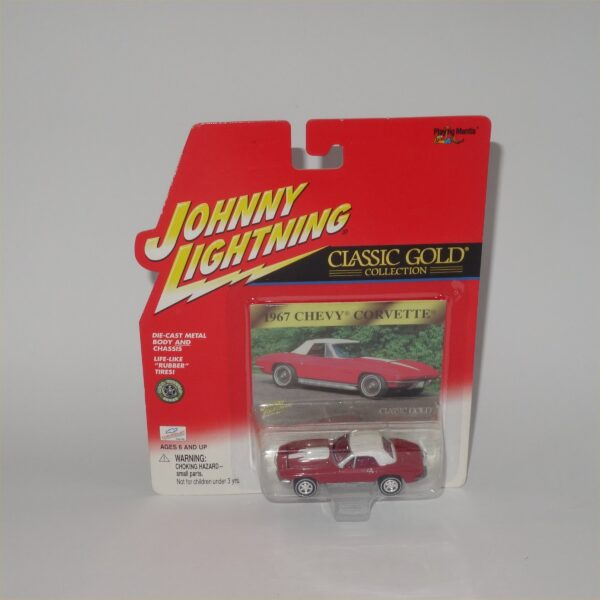 Johnny Lightning Classic Gold 1967 Chevrolet Corvette Red Closed Top