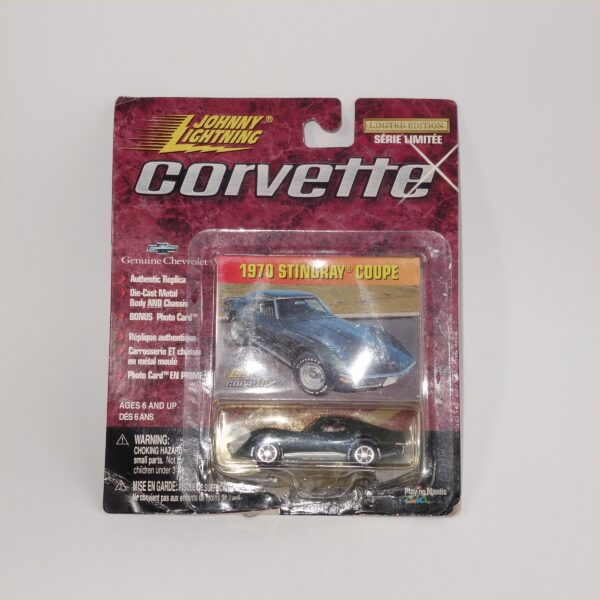 Johnny Lightning 1970 Chevrolet Corvette Donnybrooke Green Sting Ray Coupe Hard Top