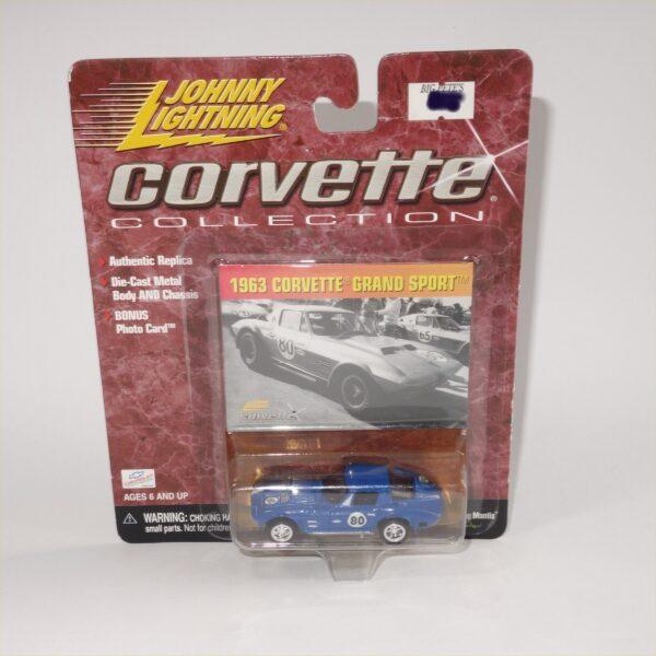 Johnny Lightning 1963 Chevrolet Corvette Grand Sport Daytona Blue Closed Top