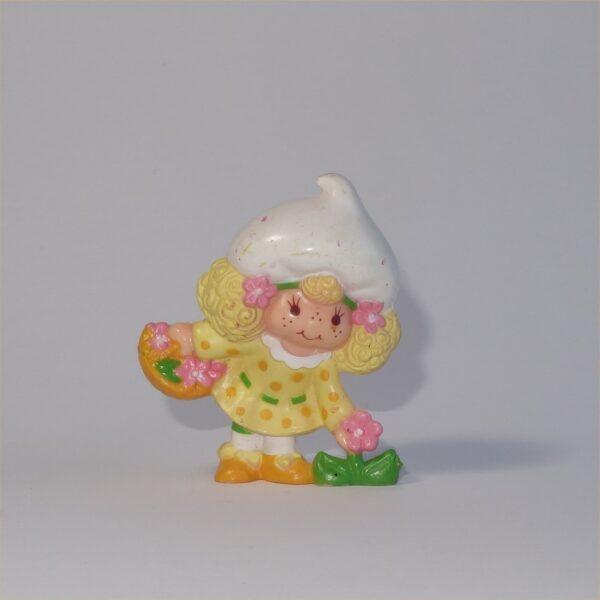 Strawberry Shortcake 1981 Lemon Meringue with Flowers PVC Figurine