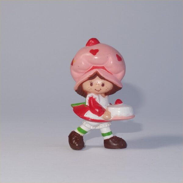 Strawberry Shortcake 1982 Strawberry Shortcake with a Birthday Cake PVC Figurine