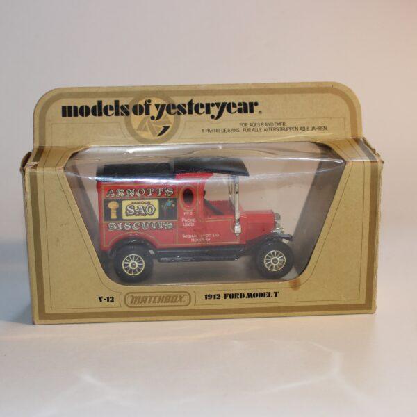 Matchbox Lesney Yesteryear 1912 Ford Model T Arnotts Van