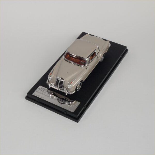 Vitesse #28661 Mercedes Benz 220SE Coupe Cream