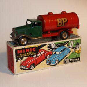 Triang Minic 15M Clockwork BP Petrol Tanker