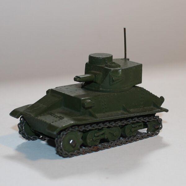 Dinky Toys 152a Light Tank