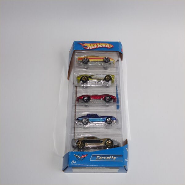 Hotwheels Issued 2006 Gift Set of 5 Chevrolet Corvettes